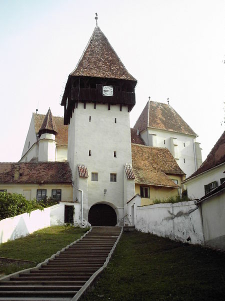Biserica fortificata din Bazna