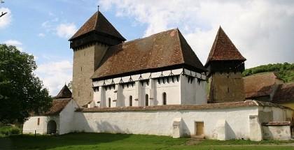 Biserica fortificata din Stejarisu