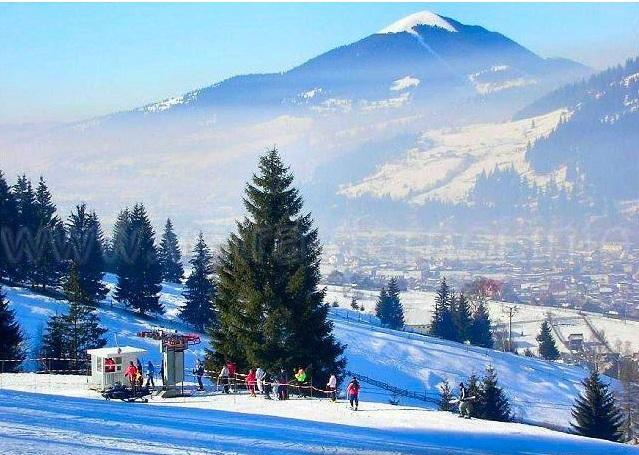 http://www.i-tour.ro/wp-content/uploads/2011/12/vatra-dornei-iarna.jpg