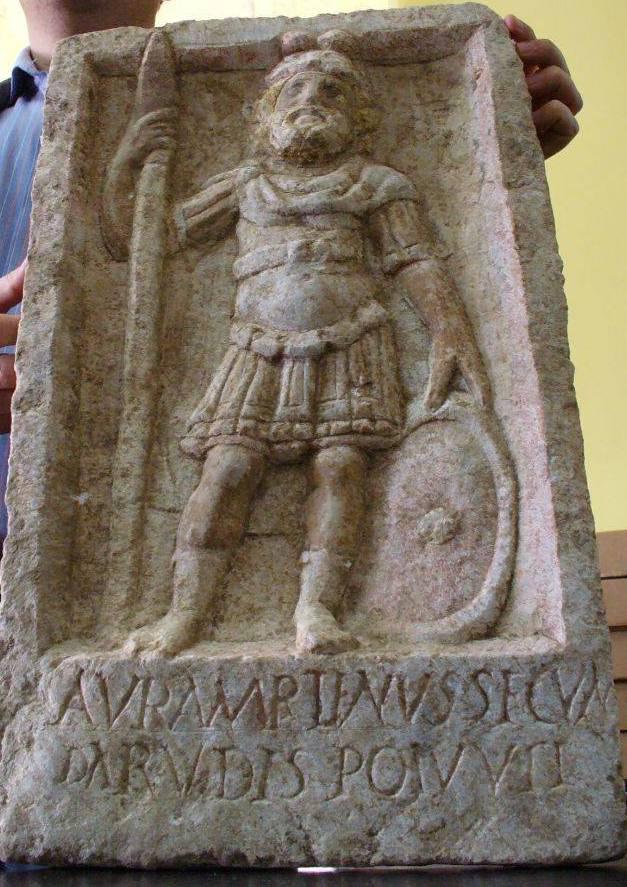 Basorelief descoperit la Cetatea Alba Carolina