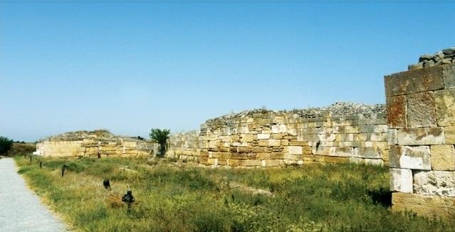 Cetatea Histria Zid incinta